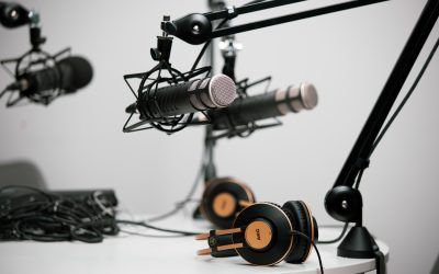 How to Craft the Best Pitch for Podcasts Looking for Guests